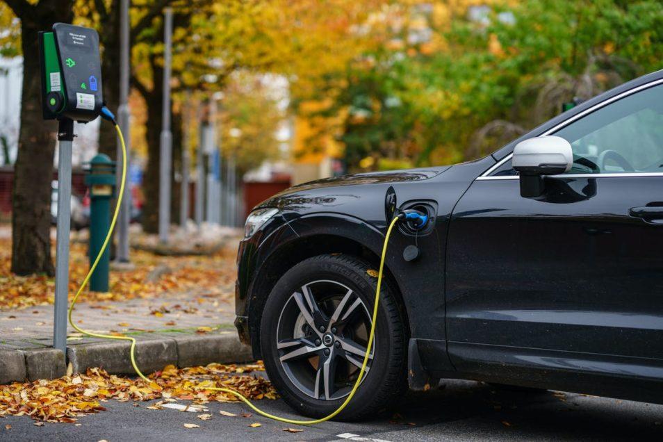 Bonus de 1 000 euros pour les voitures électriques d'occasion