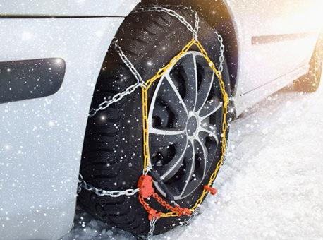 Comment mettre des chaînes à neige ?